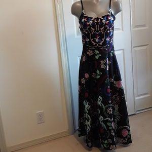 Ciweiya Ladies Sz Med Maxi Floral Dress